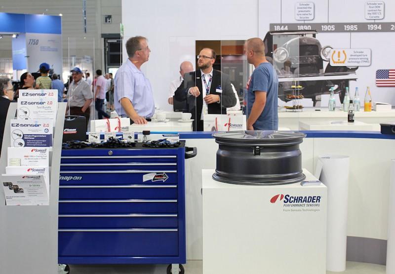 EZ-sensor 2.0 a Schrader focus at Tire Cologne