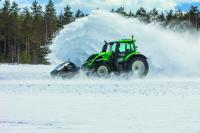 Nokian-equipped Valtra ploughs snow at 73.171 km/h