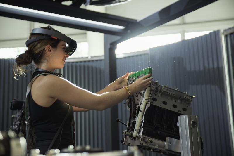 Schaeffler presents 'garage of the future' at Automechanika Frankfurt