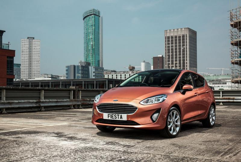 UK motor parc – more vehicles, less CO2