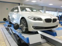 Absolute Alignment's Bluetooth 3D wheel alignment technology