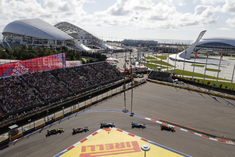 Harder tyre choice allowed drivers to push pace in Sochi - Pirelli