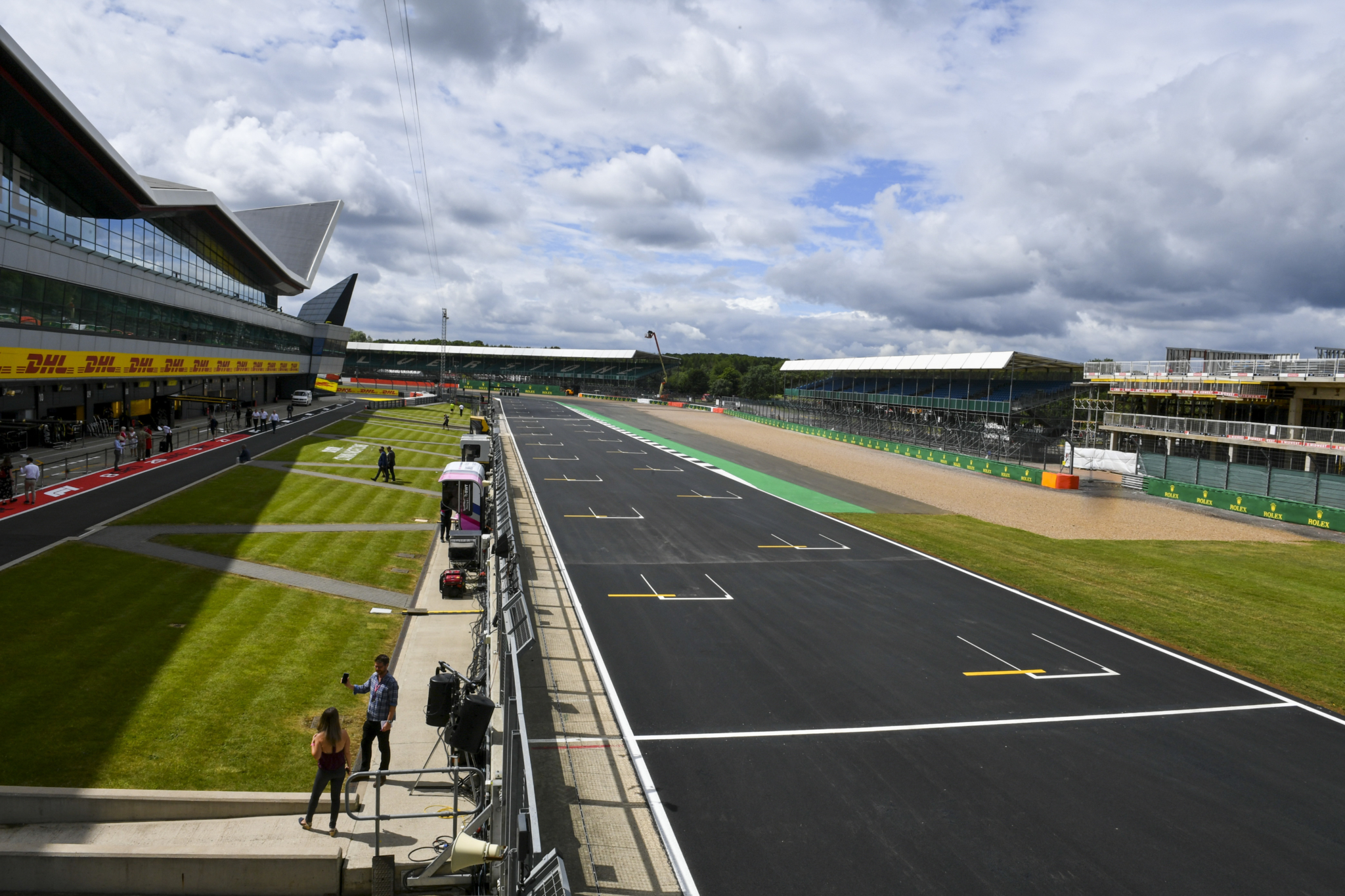 Silverstone to host two grands prix in conditional deal
