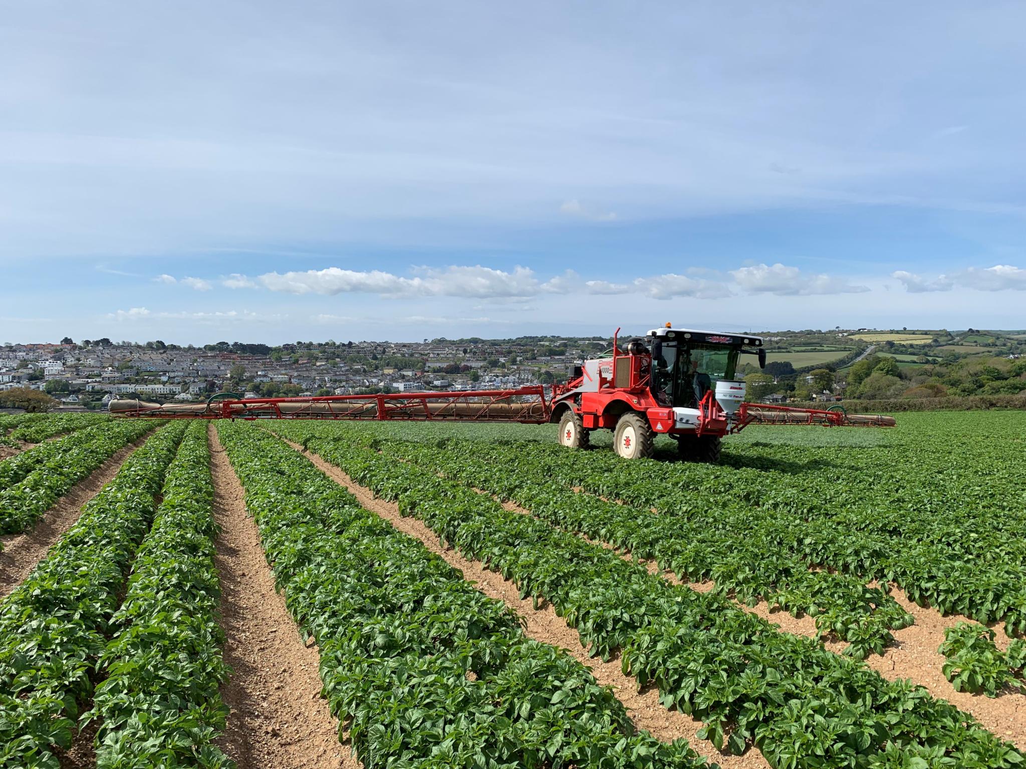 Potato farmer reselects original Michelin YieldBib sprayer tyre