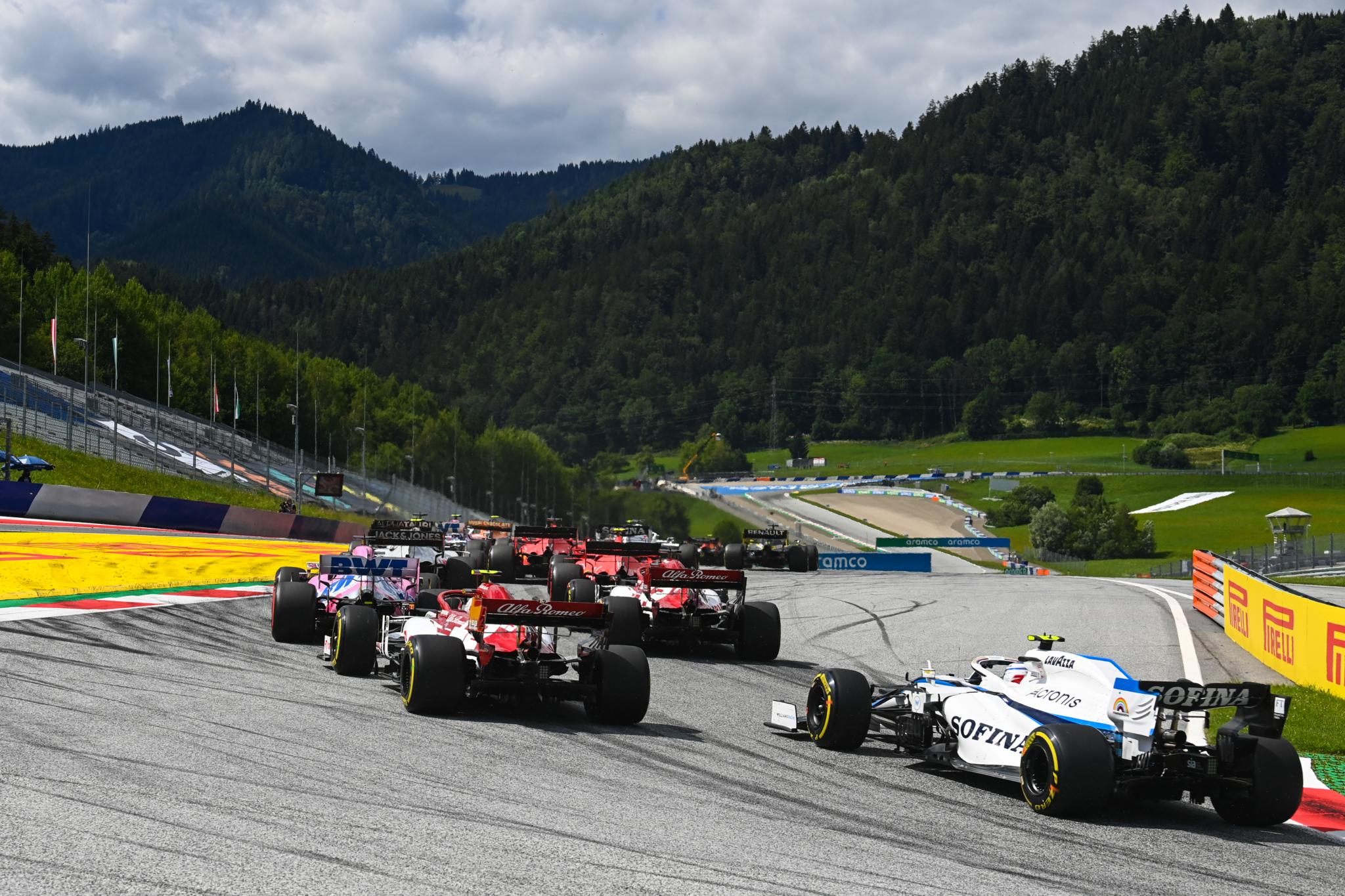 Hamilton uses soft-medium tyre strategy to win Styrian grand prix