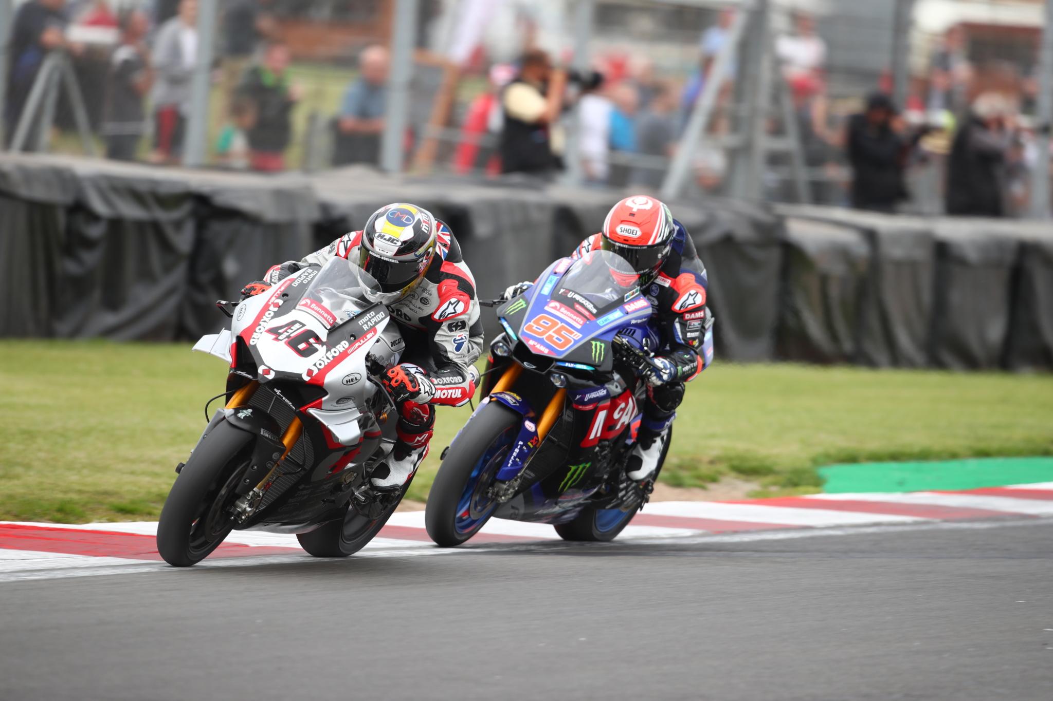 Pirelli rolls out larger Diablo Superbike Slick tyres for BSB Championship restart