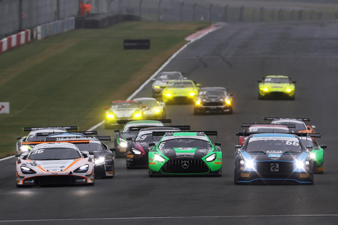 Pirelli goes to Brands Hatch with British GT