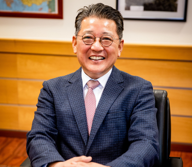 Hyung Yun Kim new MD for Hankook Tire's Hungary plant
