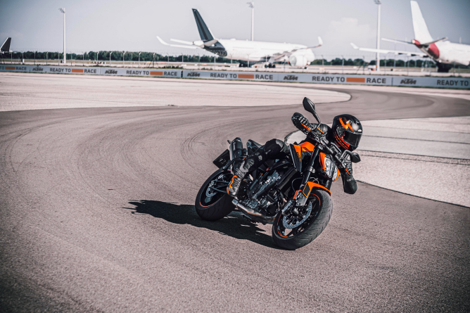 KTM 890 Duke to wear ContiRoad tyres