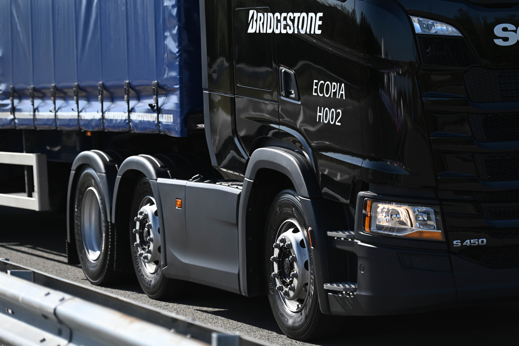 Bridgestone discusses 'multi-faceted fleet customer approach'
