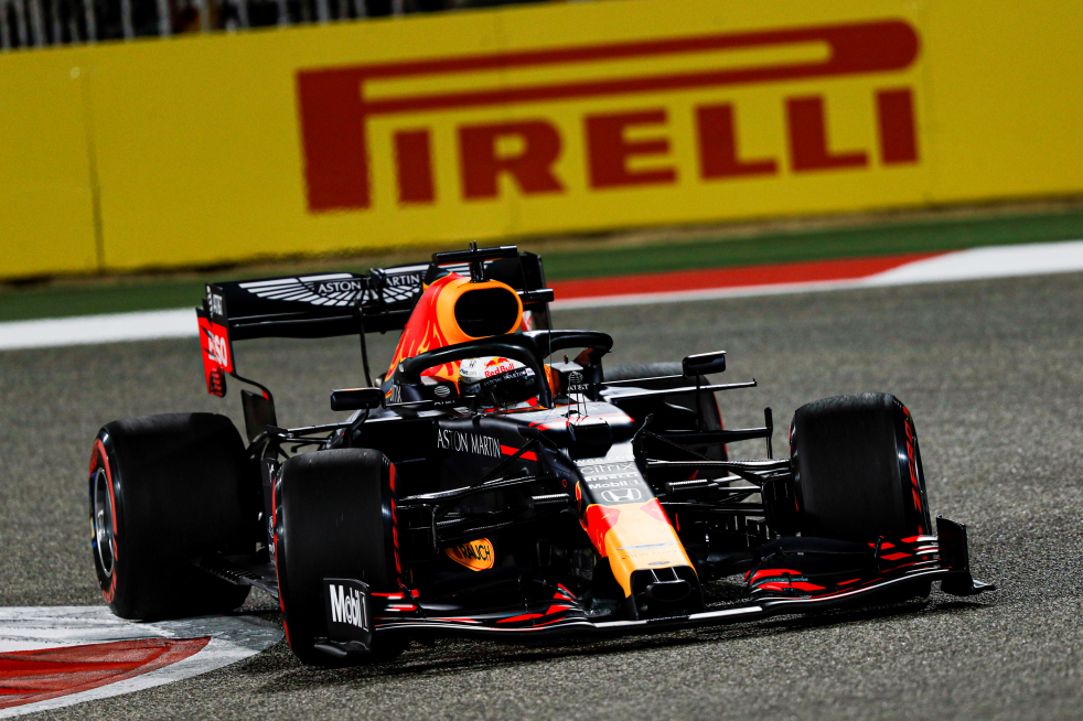 Pirelli's F1 tyre partnership extended to 2024