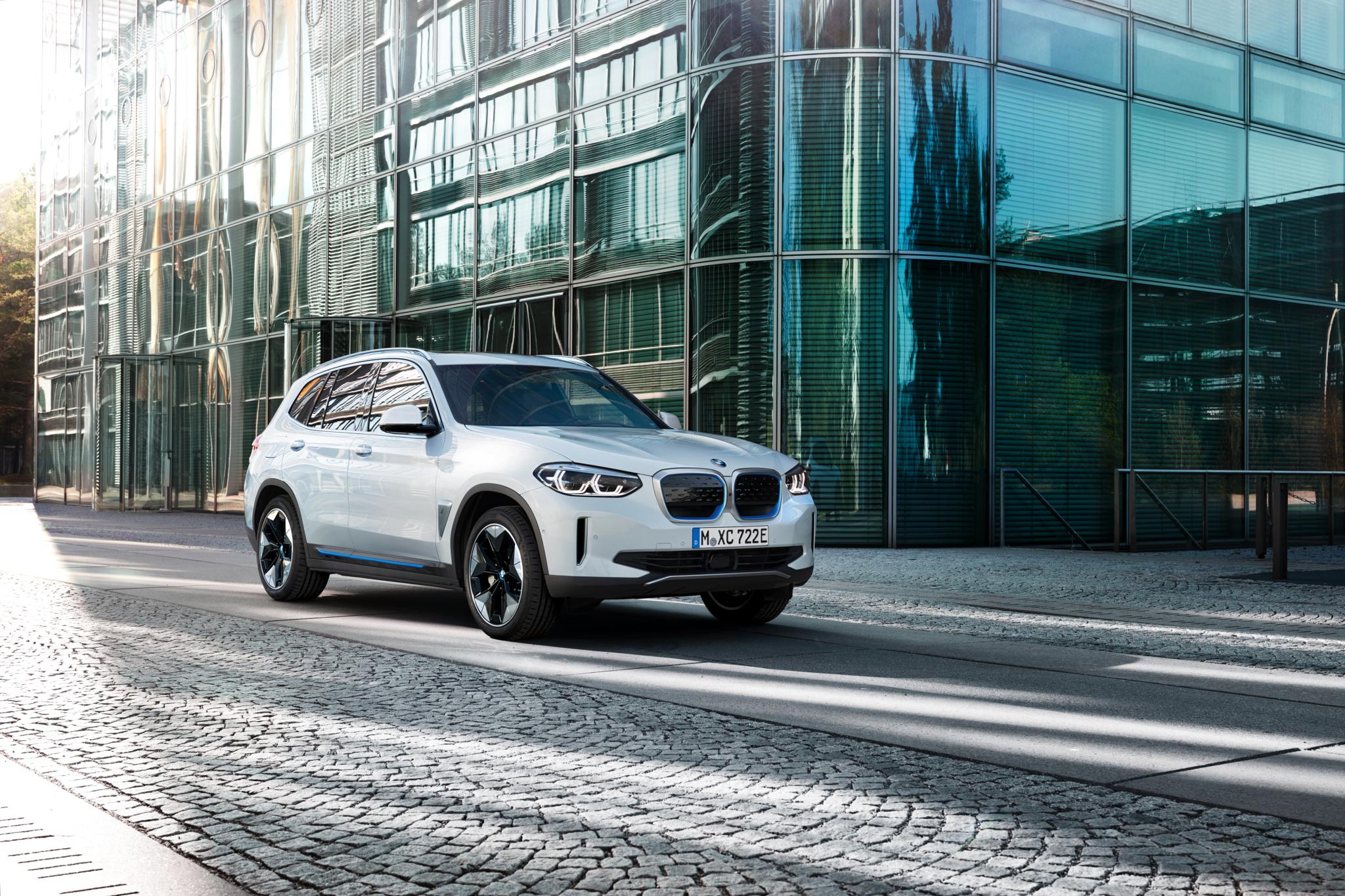 Electric BMW iX3 approves Yokohama Advan Sport V107