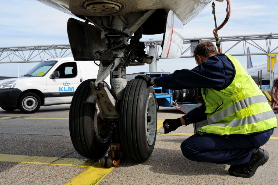Goodyear tyre supplier to KLM 737NG fleet