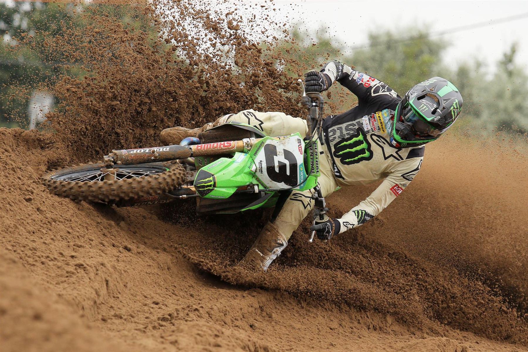 Dunlop riders on MXGP, WMX podiums in Belgium