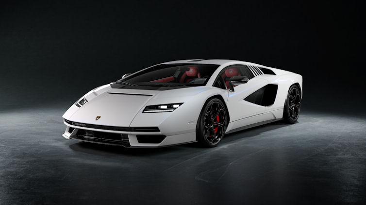 Pirelli – 50 years with the Lamborghini Countach